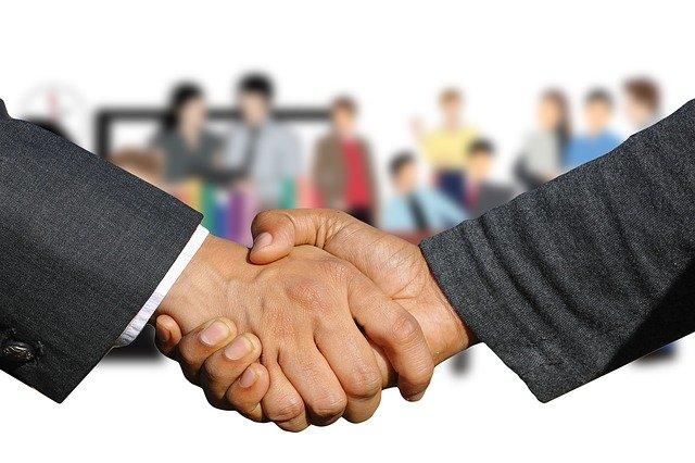 shaking-hands-3641639_640